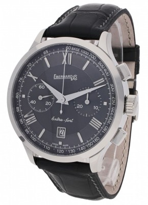 poza Eberhard ExtraFort Grande Taille Chronograph 31953.6 CP